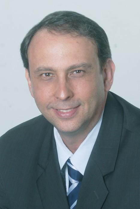 Gilberto Casares